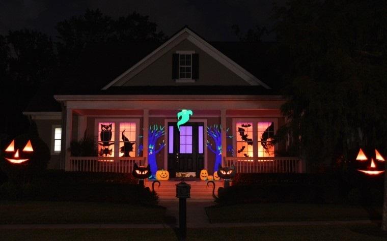 addobbi per halloween casa decorazione esterna zucche fantasmi