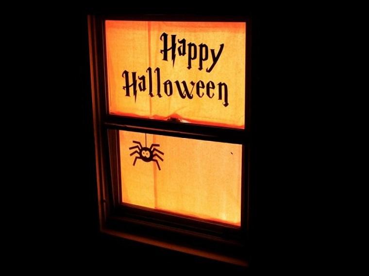 Decorazioni halloween idee e addobbi for Decorazioni halloween finestra