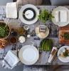apparecchiare-la-tavola-idee-autunnali-ruccola-parmigiano-centrotavola