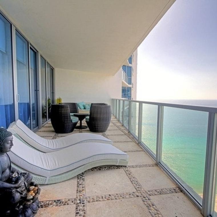 Arredo terrazzo per un effetto moderno ed elegante for Arredo terrazzi