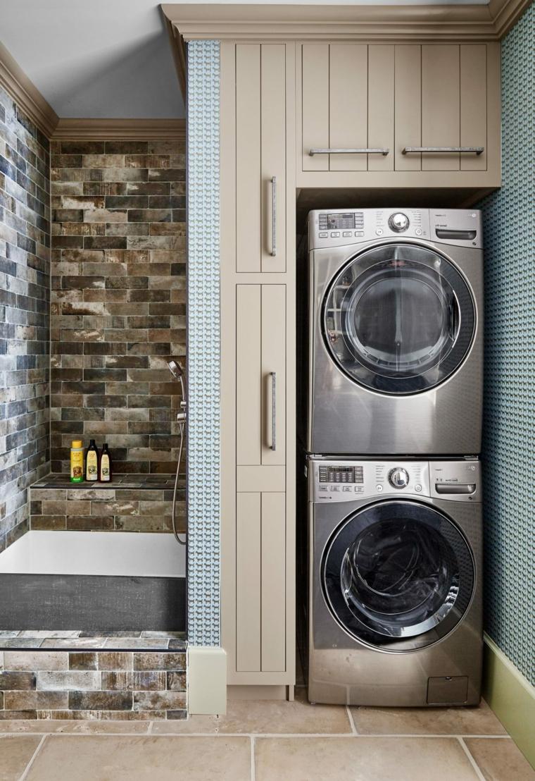 Come arredare un bagno piccolo, sala da bagno con mobile di legno per la lavatrice