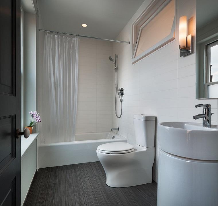 bagno moderno semplice pulito funzionale