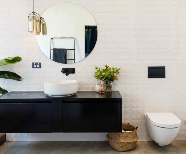Piastrelle bagni moderni, mobile lavabo in legno, parete bagno con specchio rotondo