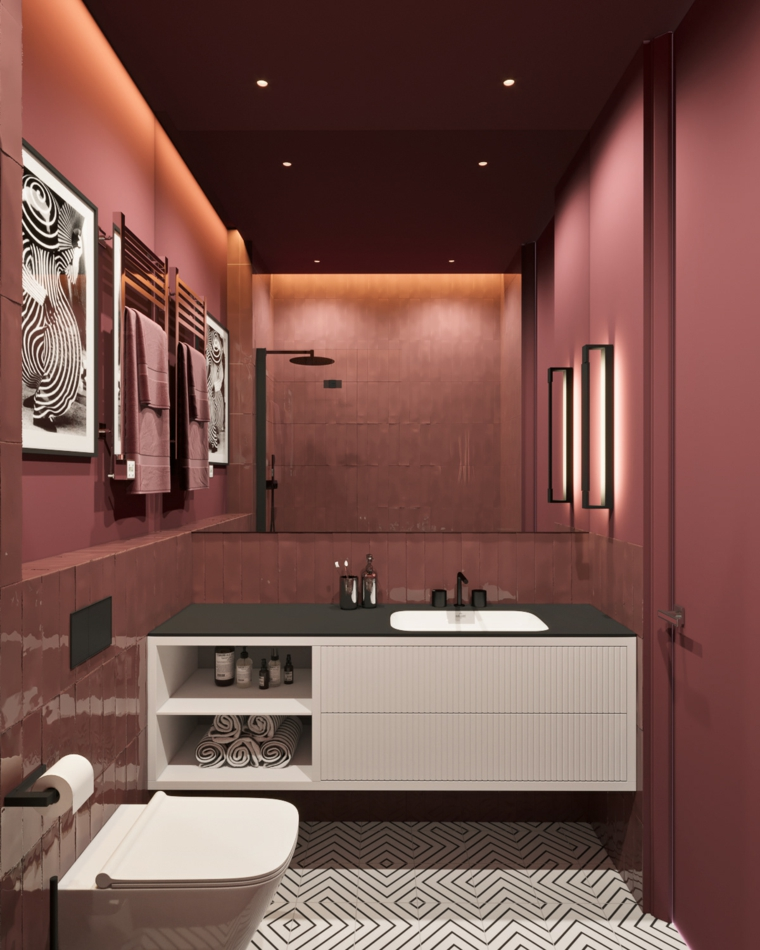 Come abbellire il bagno, sala da bagno con rivestimento in piastrelle viola
