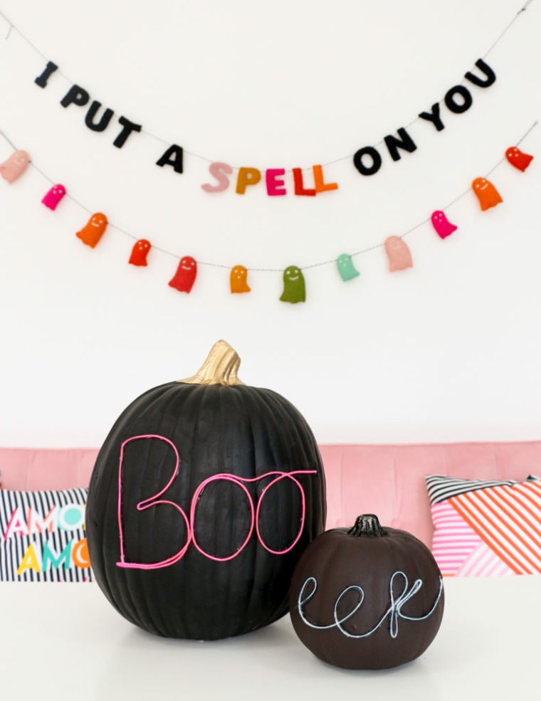 Immagini di zucche di Halloween, zucca con scritta, ghirlanda con scritta in inglese