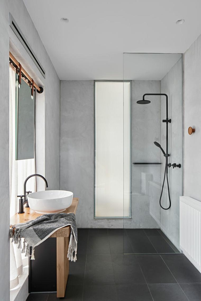 Arredare bagno lungo e stretto, sala da bagno con box doccia separato di vetro
