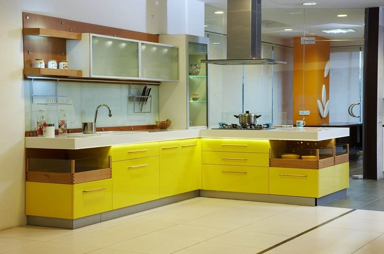cucina gialla colori moderni stile moderno
