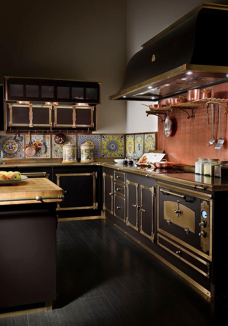 cucina moderna stile vittoriano finiture ottone rame