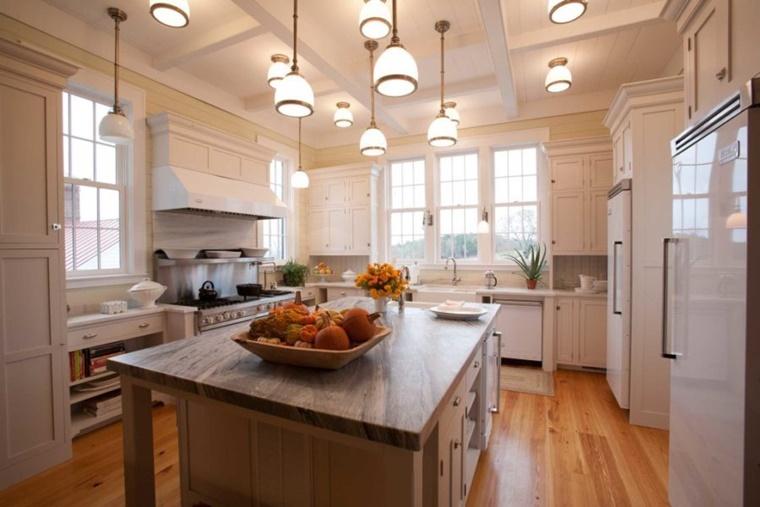 cucina tradizionale elementi moderni isola centrale