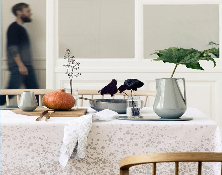 decorare la tavola foglie zucca