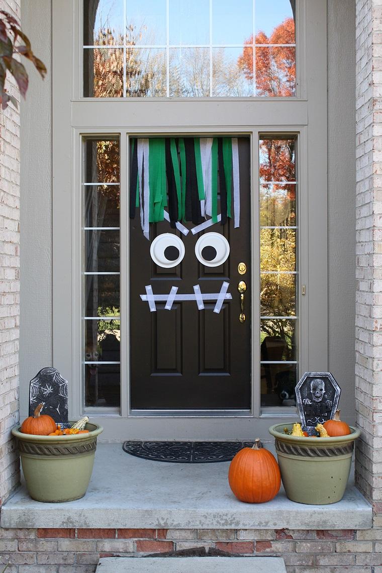 decorazioni halloween porta faccia paurosa