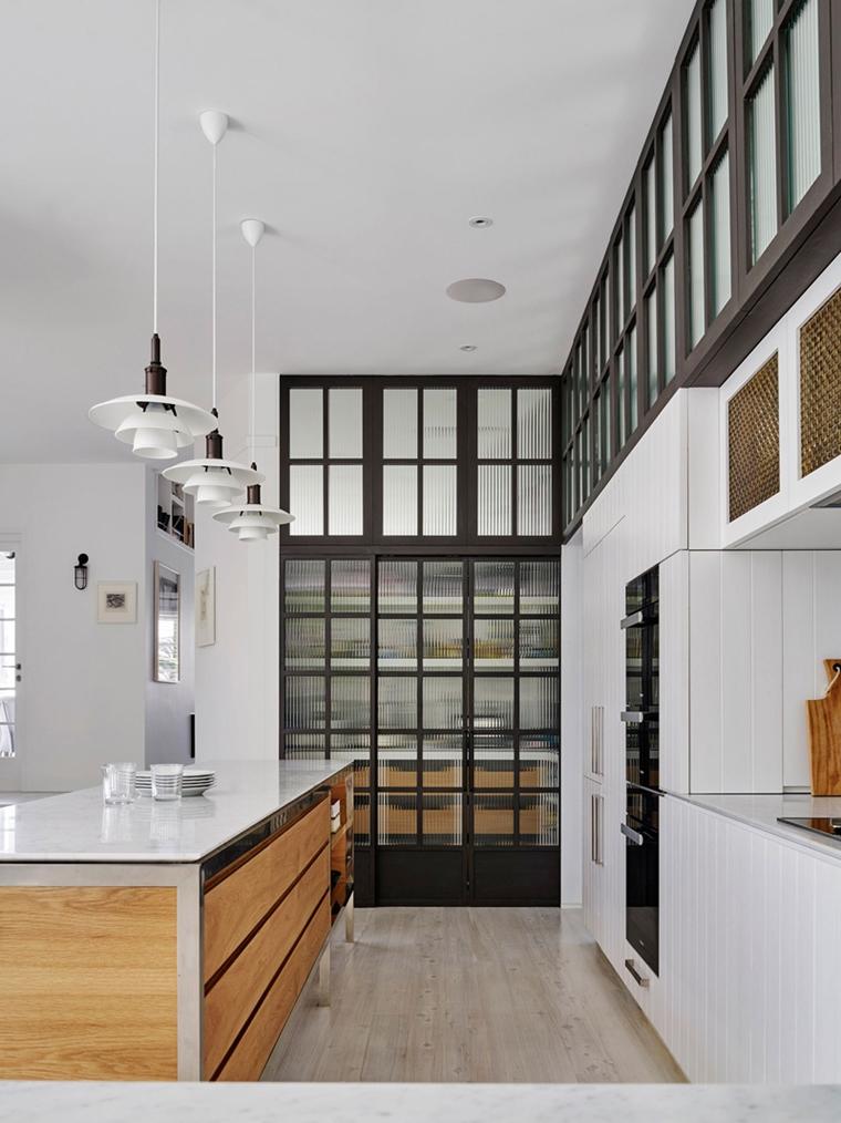 dispensa separata cucina stile minimalista porta scorrevole vetro