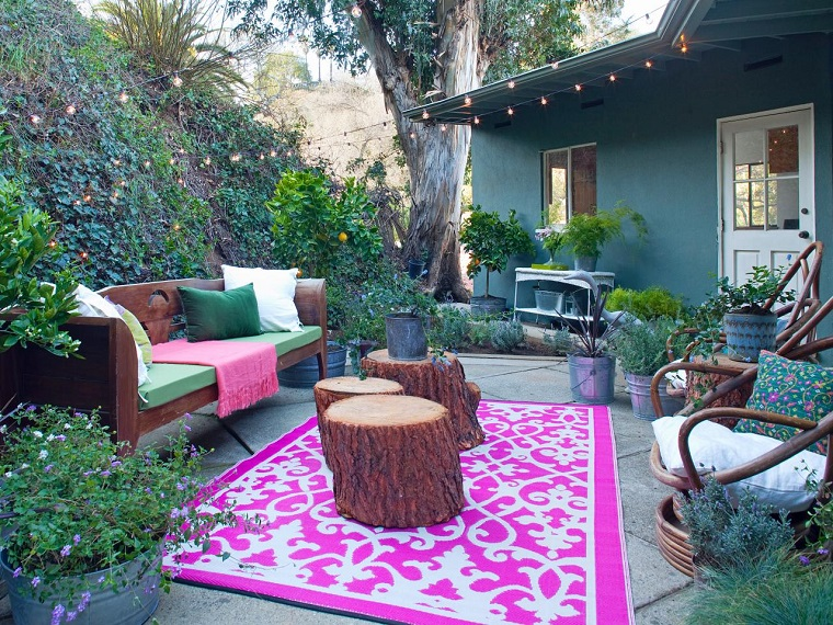 idee arredamento giardino mobili colorati