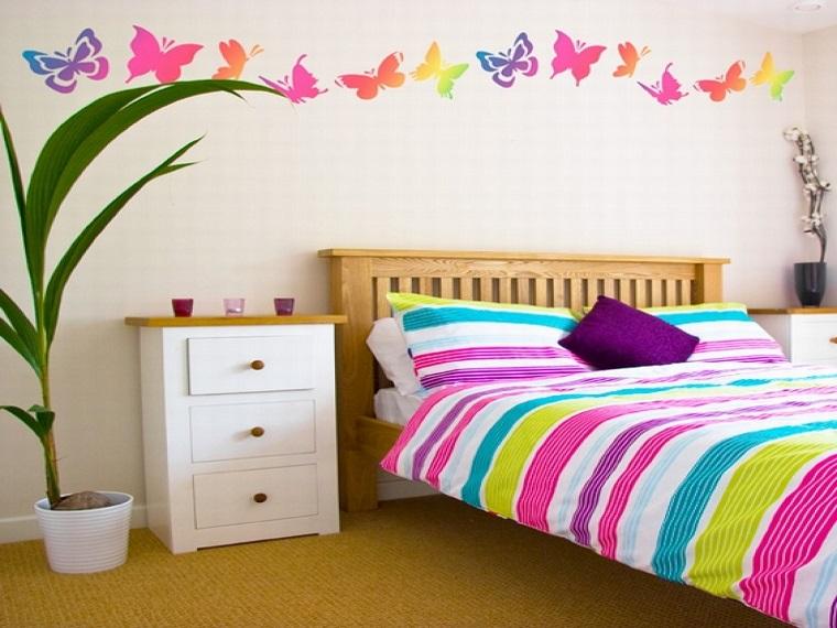 idee camerette decorazioni farfalle colorate