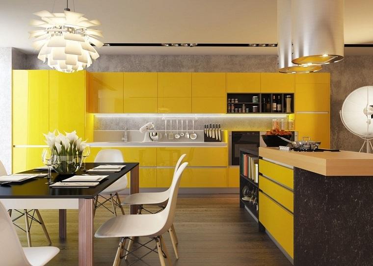 idee design giallo cucina tavolo pranzo vetro nero