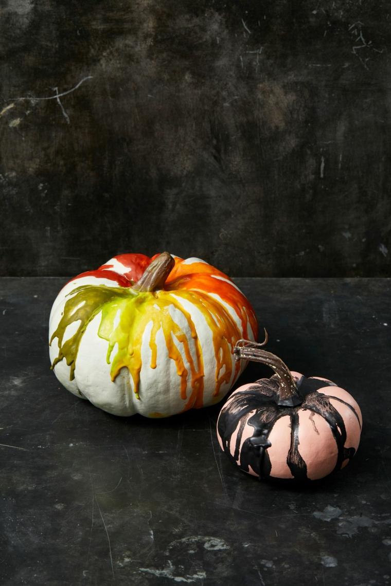 Immagini di zucche di Halloween, zucche dipinte con acrilici, foto con sfondo nero