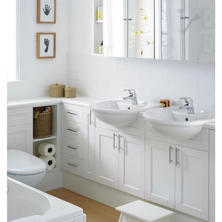 interior design bagno idea spazio piccolo bianco
