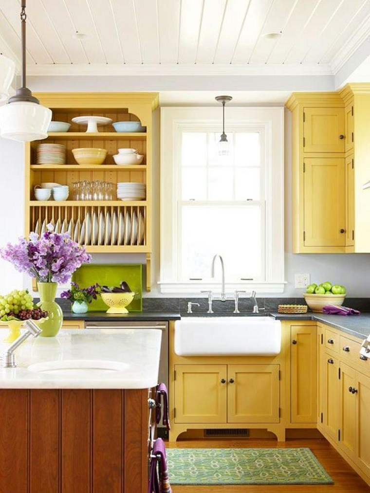 interior design cucina tradizionale legno scruro