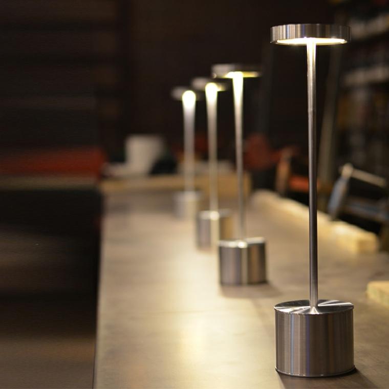 Lampade a led wireless i nuovi trend del mercato - Lampada da tavolo senza fili ...