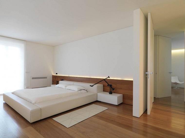 letto mbottito pavimento legno chiaro