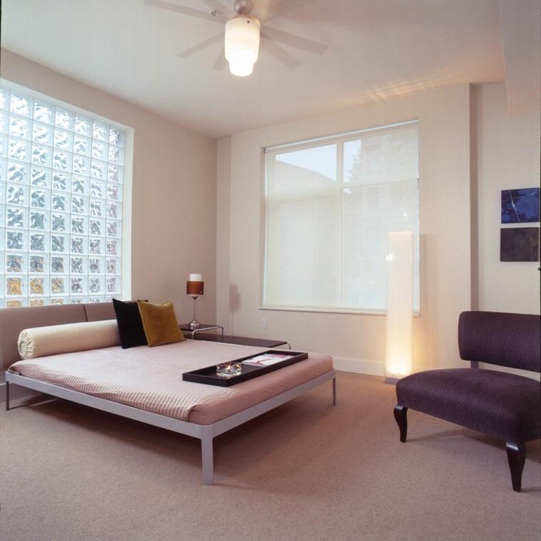 mobili minimal colori chiari liberta spazio