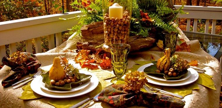 piatti autunnali foglie secche vaso centrotavola ghiande