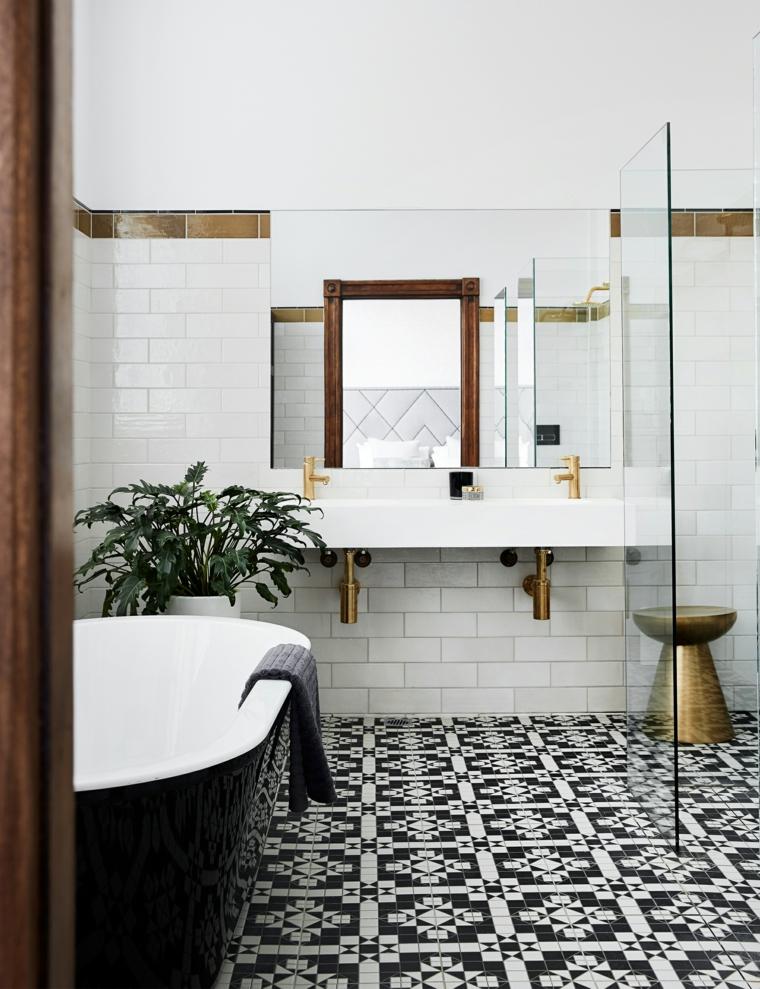 Pavimento bagno con mosaico, idee per ristrutturare il bagno, mobile lavabo con specchio