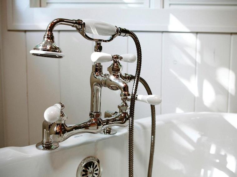 rubinetto classico vasca elementi bianco