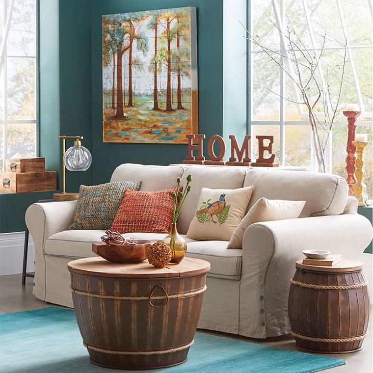 soggiorno divano scritta decorazioni autunnali