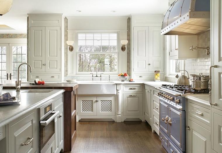 stile country mobili cucina colore chiaro