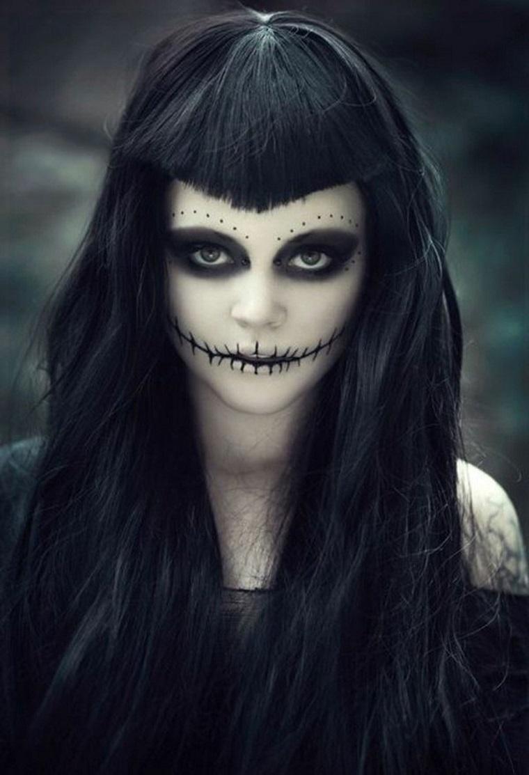 travestimento halloween donna occhi neri