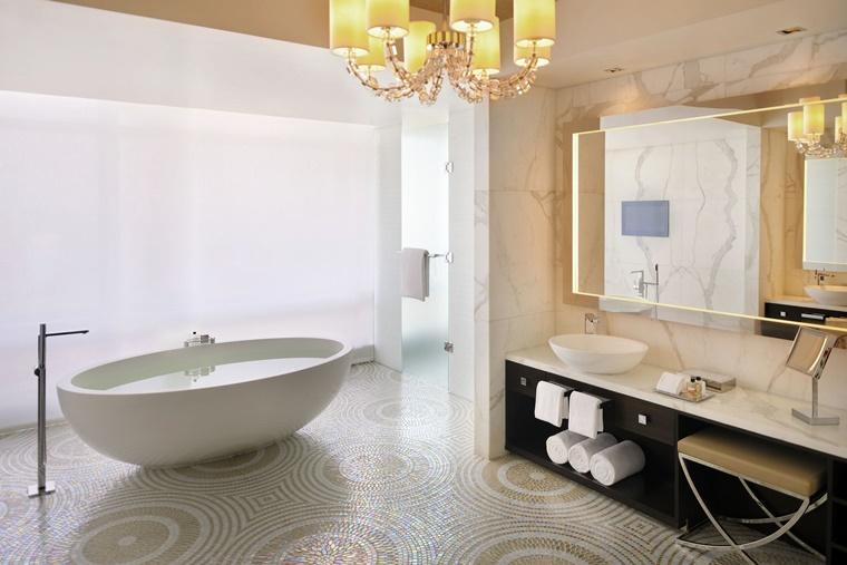 vasca da bagno ceramica pavimento mosaico pietra