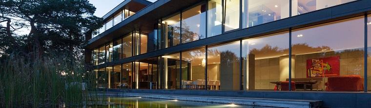 vetrata avvolgente casa design inspiration