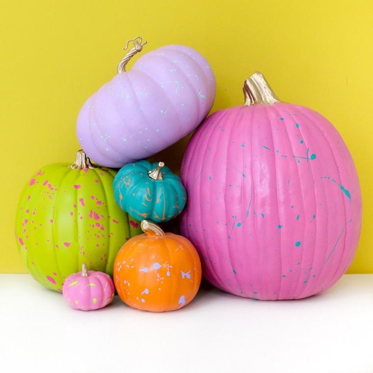 Immagini di zucche di Halloween, zucche dipinte con vernice, zucca verde con macchie rosa