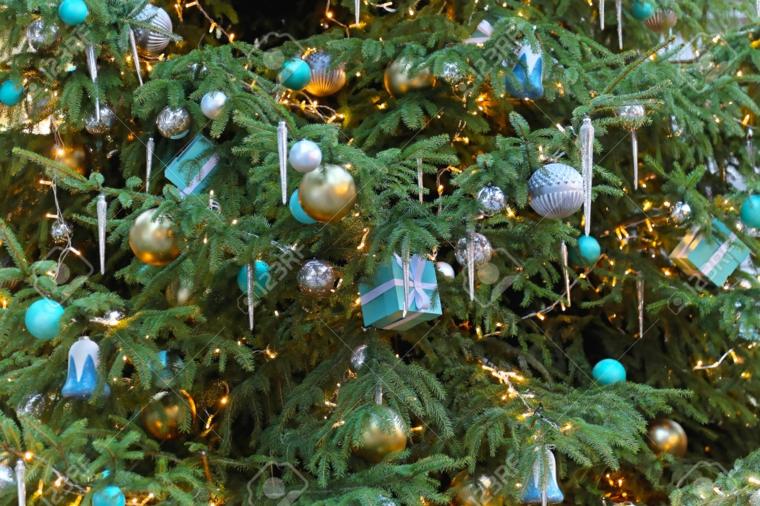 Albero Di Natale Con Decorazioni Blu : Idee per addobbare l albero di natale consigli utili e pratici