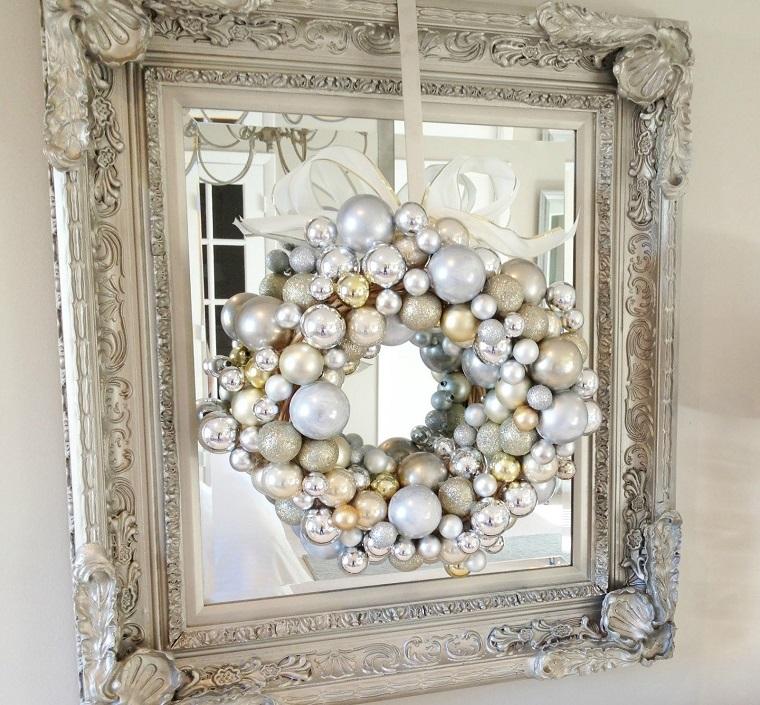 addobbi di Natale bianchi idea ghirlanda