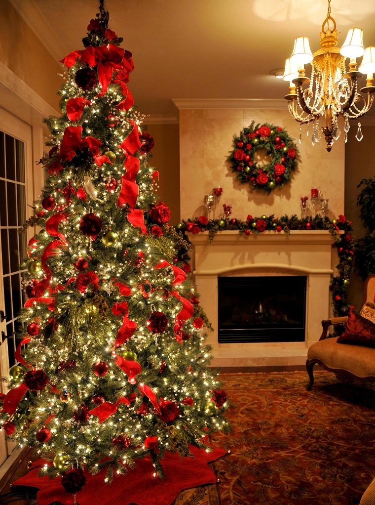 Alberi Di Natale Addobbati Eleganti.Alberi Di Natale Addobbati Luci Colori Fiocchi E Tanto