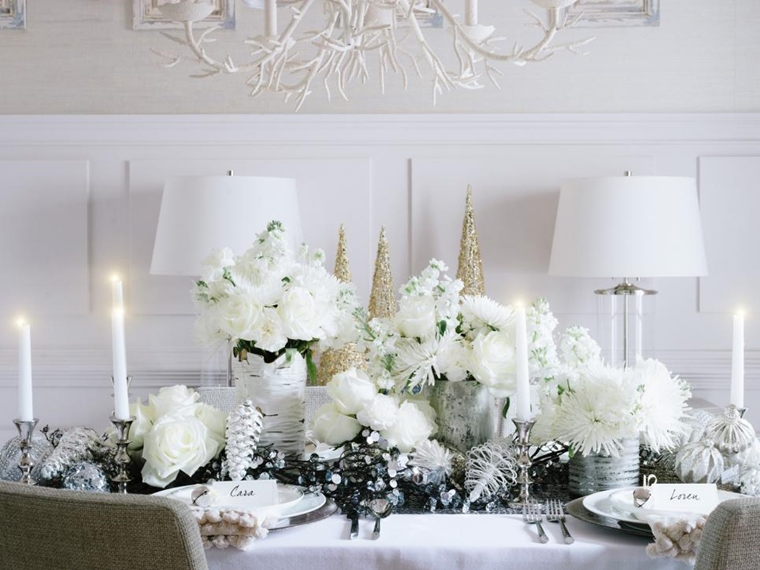 addobbi di natale tavola allestita candele fiori