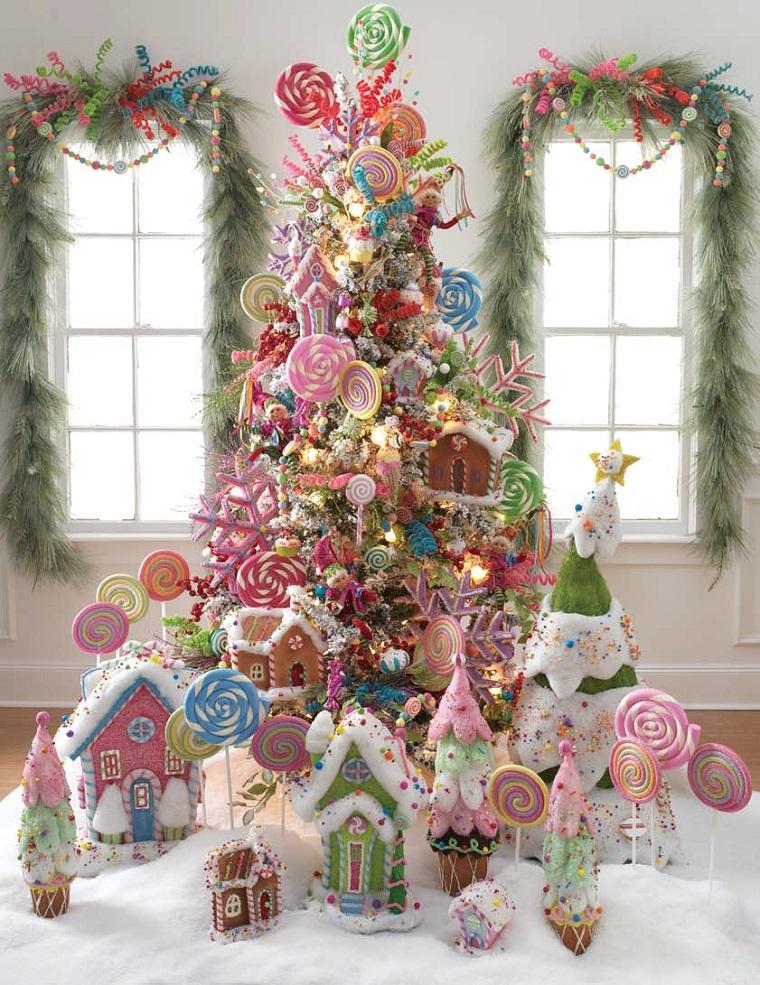alberi di Natale addobbati dolciumi caramelle