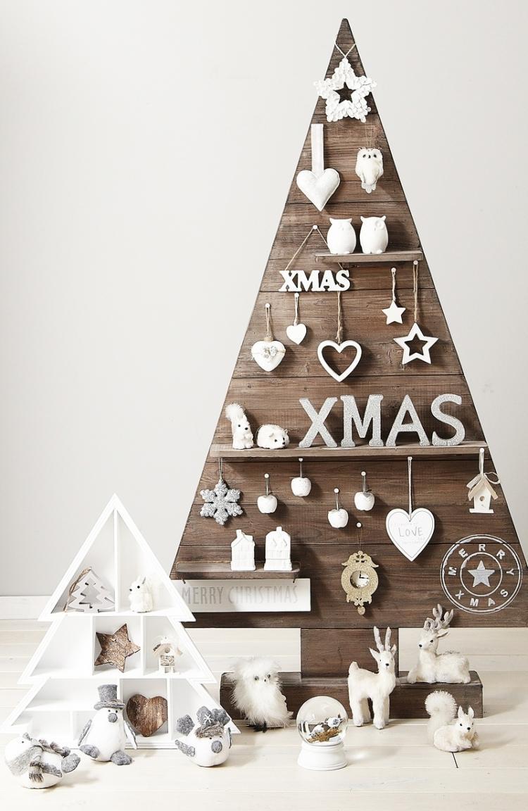 albero natale legno decorato giocattoli fai te