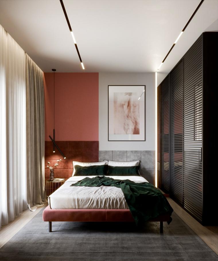 Letto con rivestimento in velluto, faretti sul soffitto, arredamento camera da letto