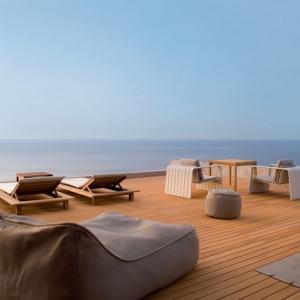 Arredo balcone tante idee utilizzando piante cuscini e - Arredamento terrazzo esterno ...