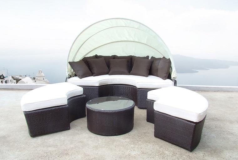 arredamento terrazzo stile contemporaneo sedute tavolo