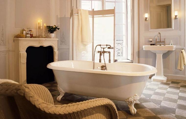 arredo bagno moderno vasca bianca pavimento scacchi