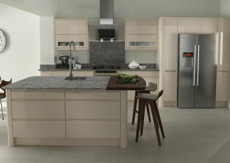 beige cucina isola marmo semplice