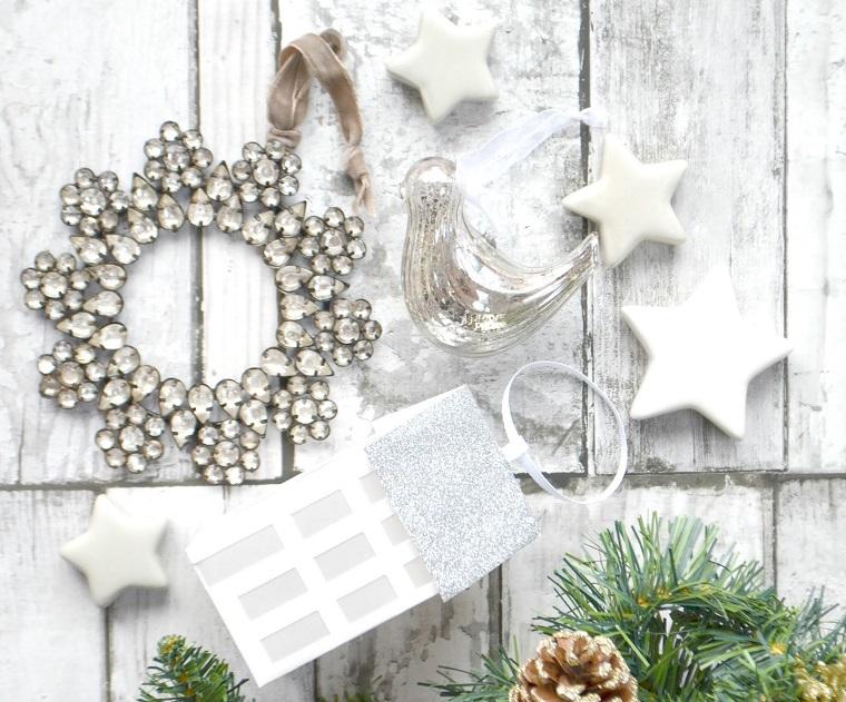 Bianco natale tante idee per addobbi eleganti e romantici - Decorazioni bianche ...