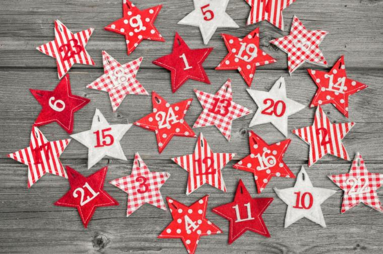 calendario natalizio vivace colorato particolare