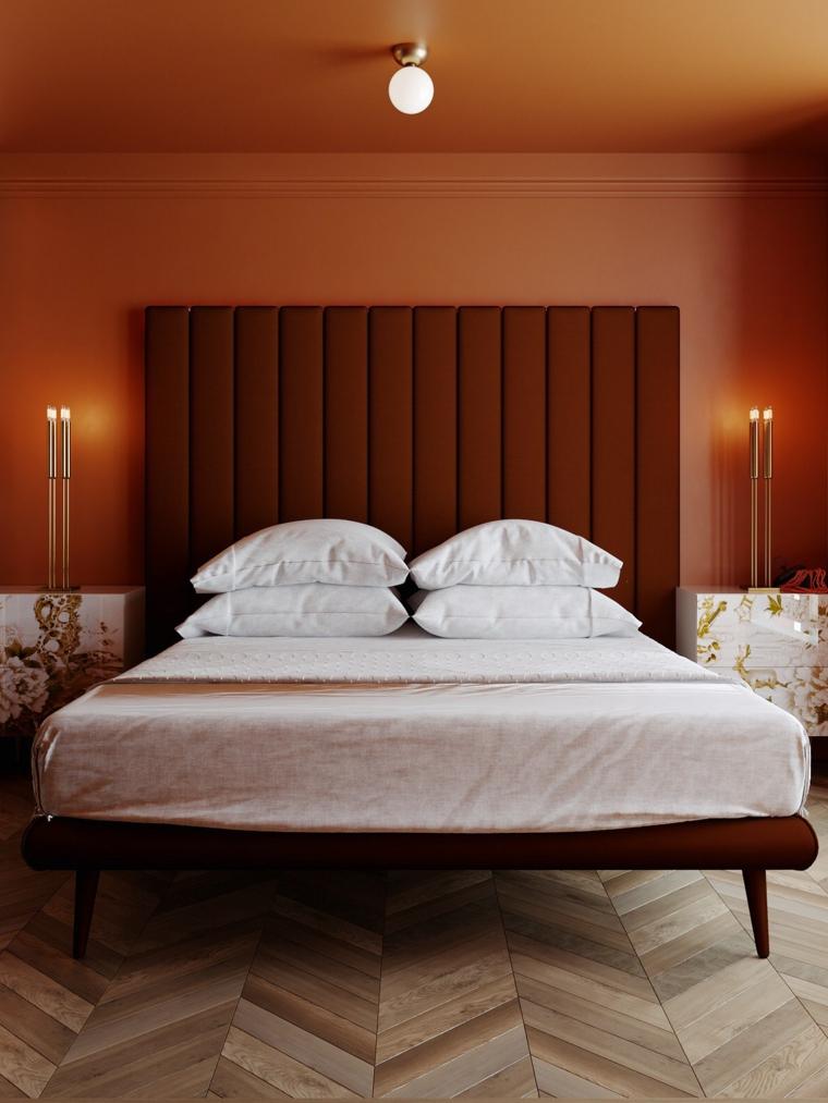 Idee per dipingere stanza da letto, pareti e soffitto dipinti di arancione, testata letto alta in tessuto