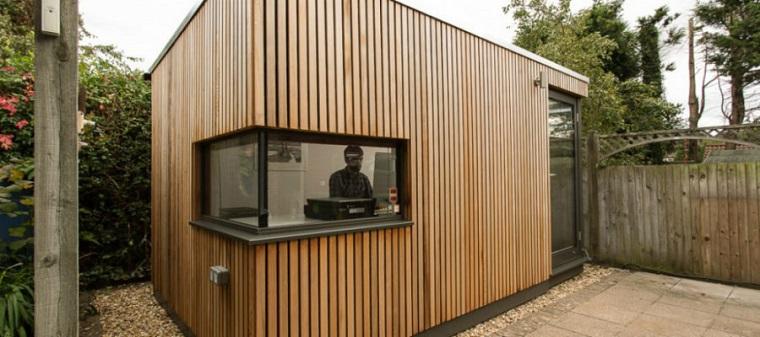 casa studio esterno pareti liste legno