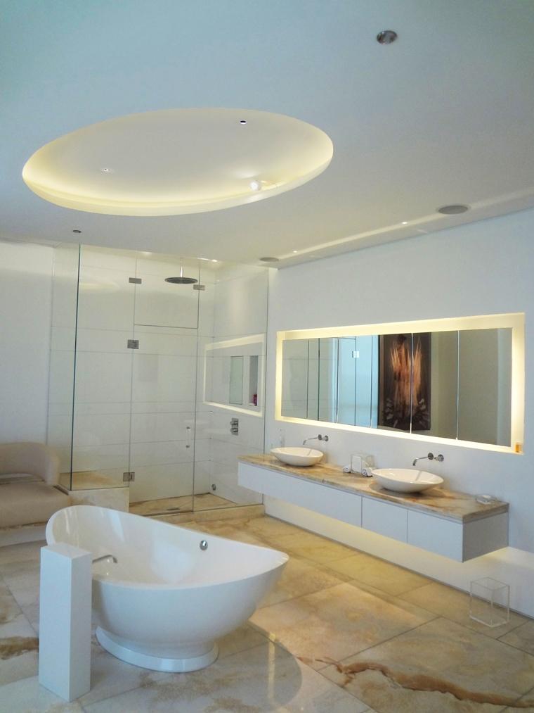 controsoffitto sospensione illuminazione led vasca freestanding
